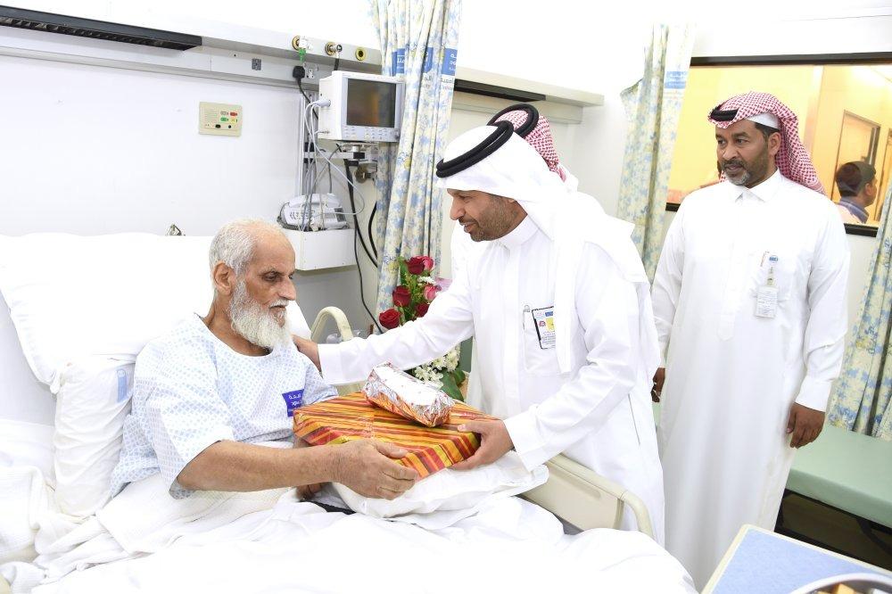 طبية جامعة الملك سعود تعايد المرضى المنومين