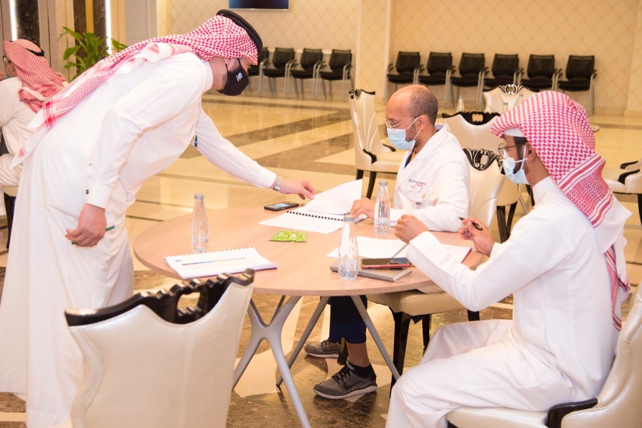 """ورشة عمل """"التحليل الاستراتيجي"""" بطبية جامعة الملك سعود"""