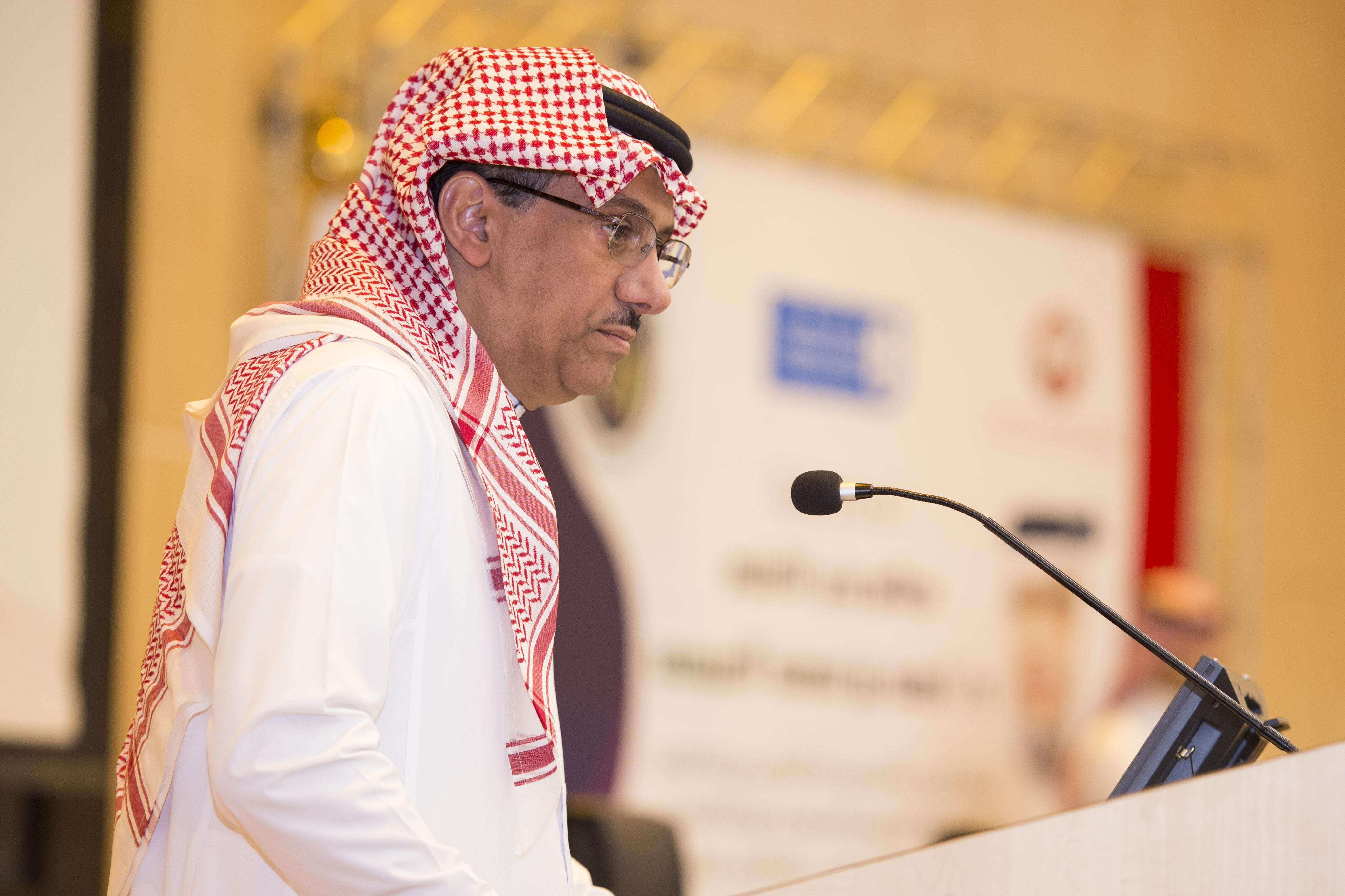 """""""مدير جامعة الملك سعود يفتتح المؤتمر """" الدولي في مستجدات زراعة الكلى"""