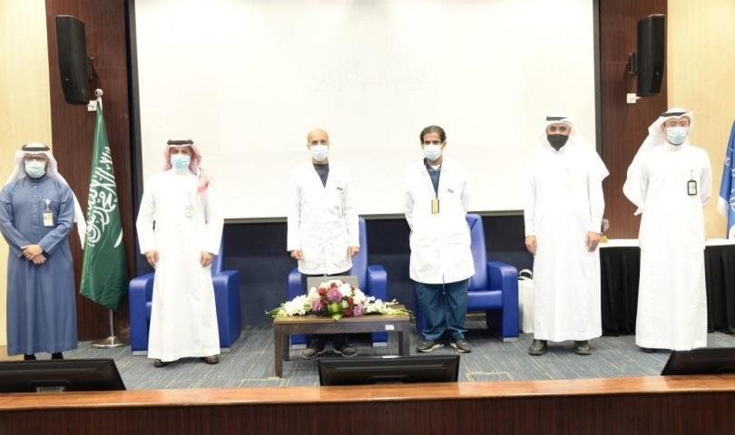 """طبية"""" جامعة الملك سعود تعايد المرضى المنومين بمستشفى الملك خالد الجامعي"""