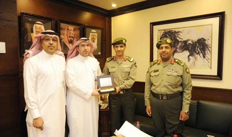 جوازات منطقة الرياض تقدم خدماتها بالمدينة الطبية بجامعة الملك سعود