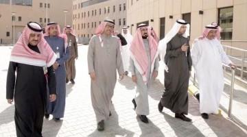 معالي مدير جامعة الملك سعود يطلع على سير العمل لمشروع توسعة مستشفى الملك عبدالعزيز الجامعي