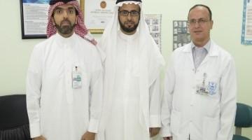 """""""طبية"""" جامعة الملك سعود تستئصل ورمًا ليفيًا من صدر أربعيني سعودي"""