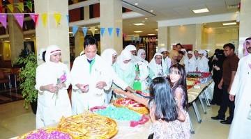 المدينة الطبية بجامعة الملك سعود تعايد مرضاها