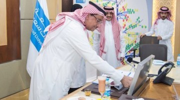 معالي مدير الجامعة يدشن تطبيق صحي الإلكتروني